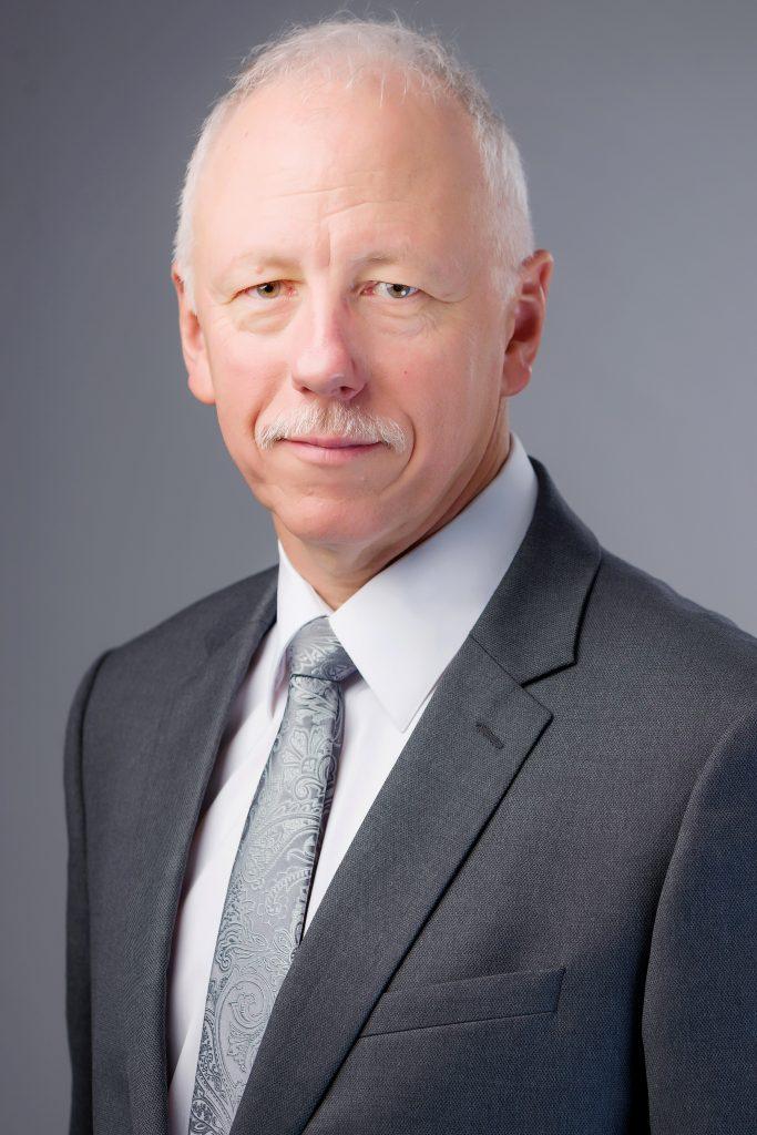 Bernard Kaufmann*